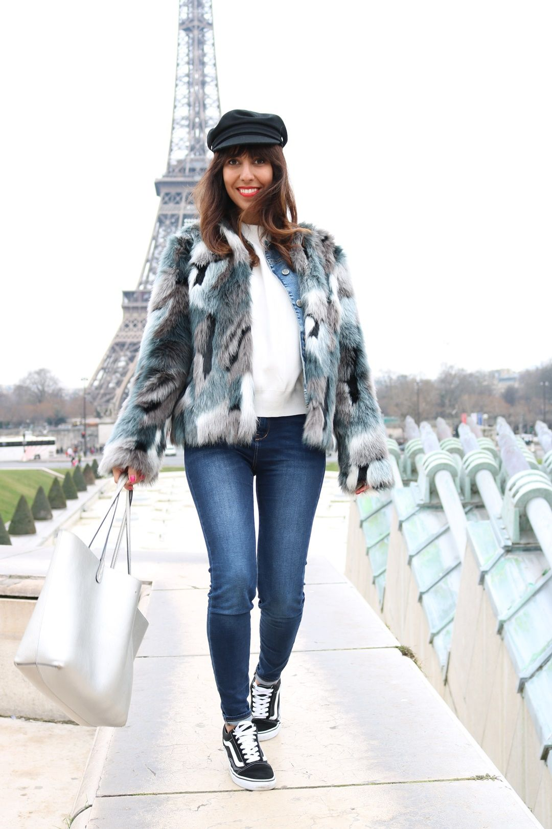 35734f2995f020 vans old skool look outfit blogger. by Rocio - Oh My Blog!